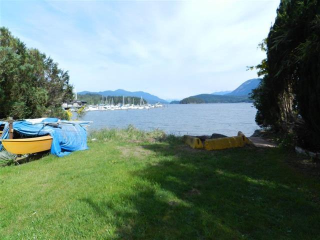 Detached at 5623 OSPREY STREET, Sunshine Coast, British Columbia. Image 17