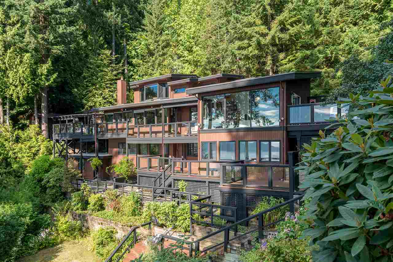 Detached at 410 MOUNTAIN DRIVE, West Vancouver, British Columbia. Image 3