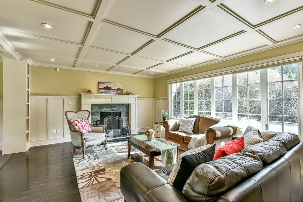 Detached at 14364 GREENCREST DRIVE, South Surrey White Rock, British Columbia. Image 2