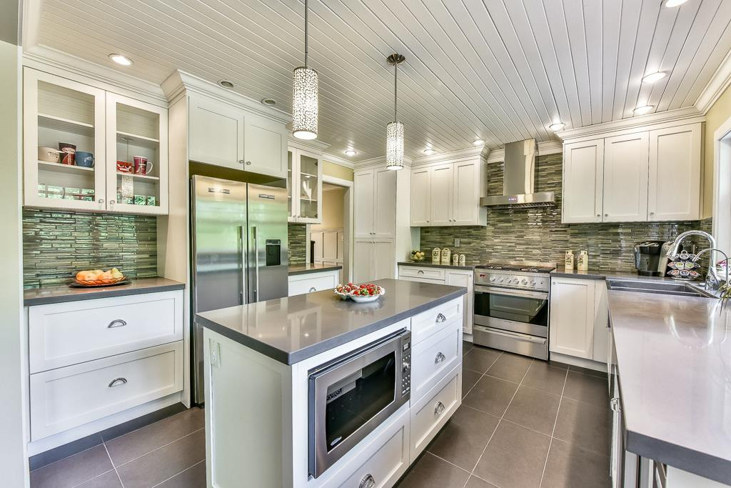 Detached at 14364 GREENCREST DRIVE, South Surrey White Rock, British Columbia. Image 5