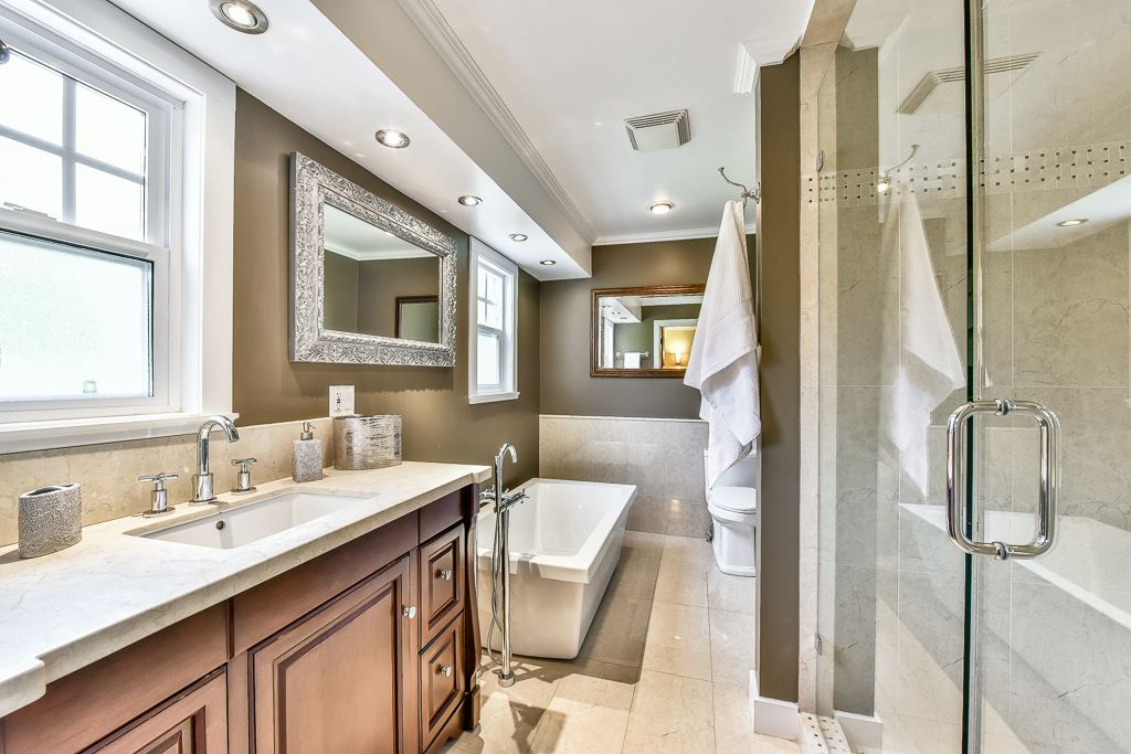 Detached at 14364 GREENCREST DRIVE, South Surrey White Rock, British Columbia. Image 11