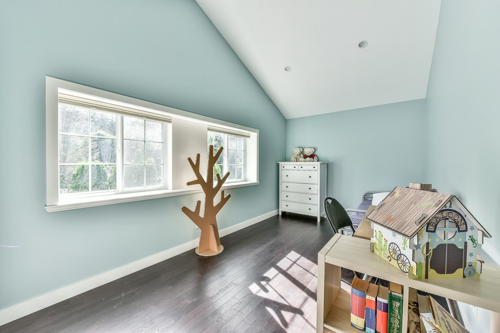 Detached at 14364 GREENCREST DRIVE, South Surrey White Rock, British Columbia. Image 12