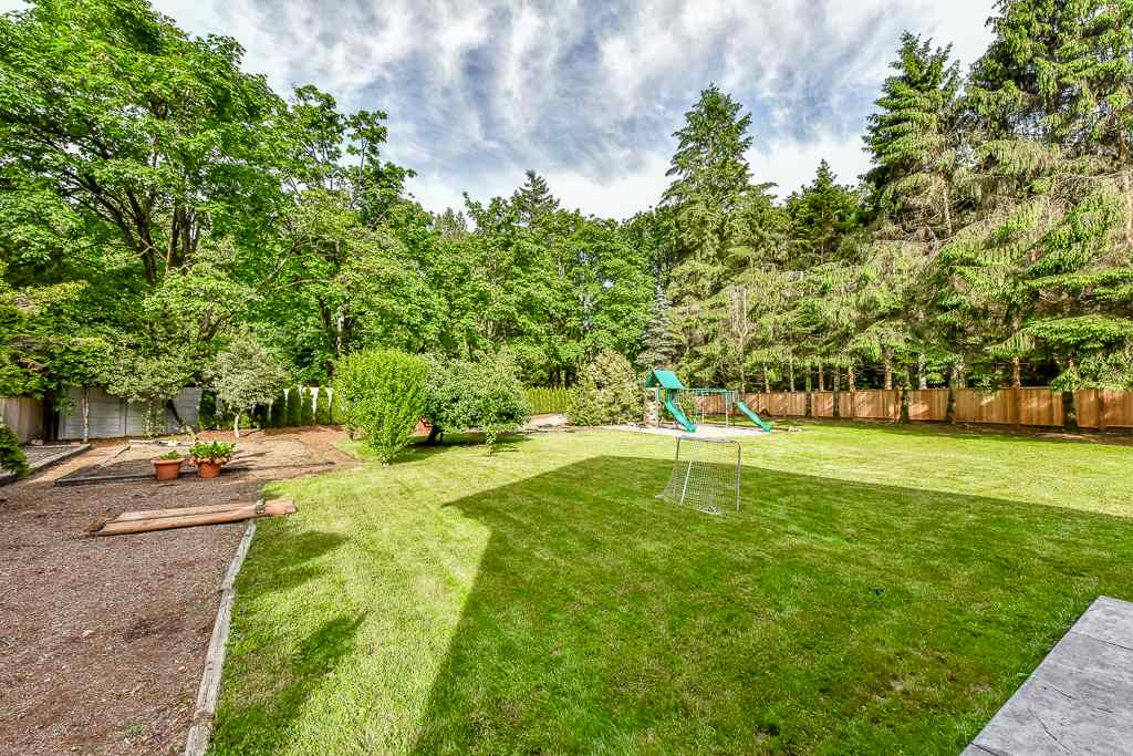 Detached at 14364 GREENCREST DRIVE, South Surrey White Rock, British Columbia. Image 20
