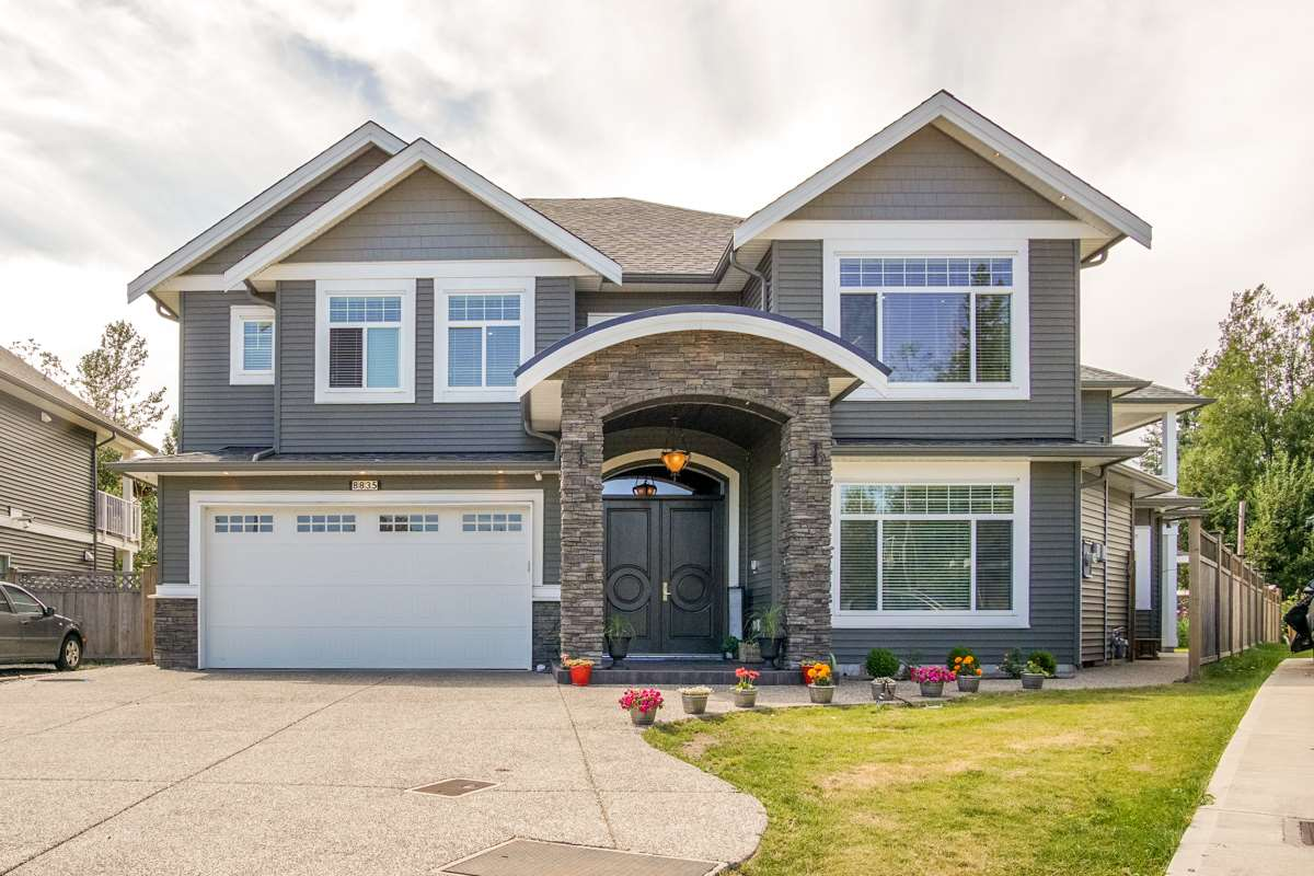 Detached at 8835 WOOLER TERRACE, Mission, British Columbia. Image 1