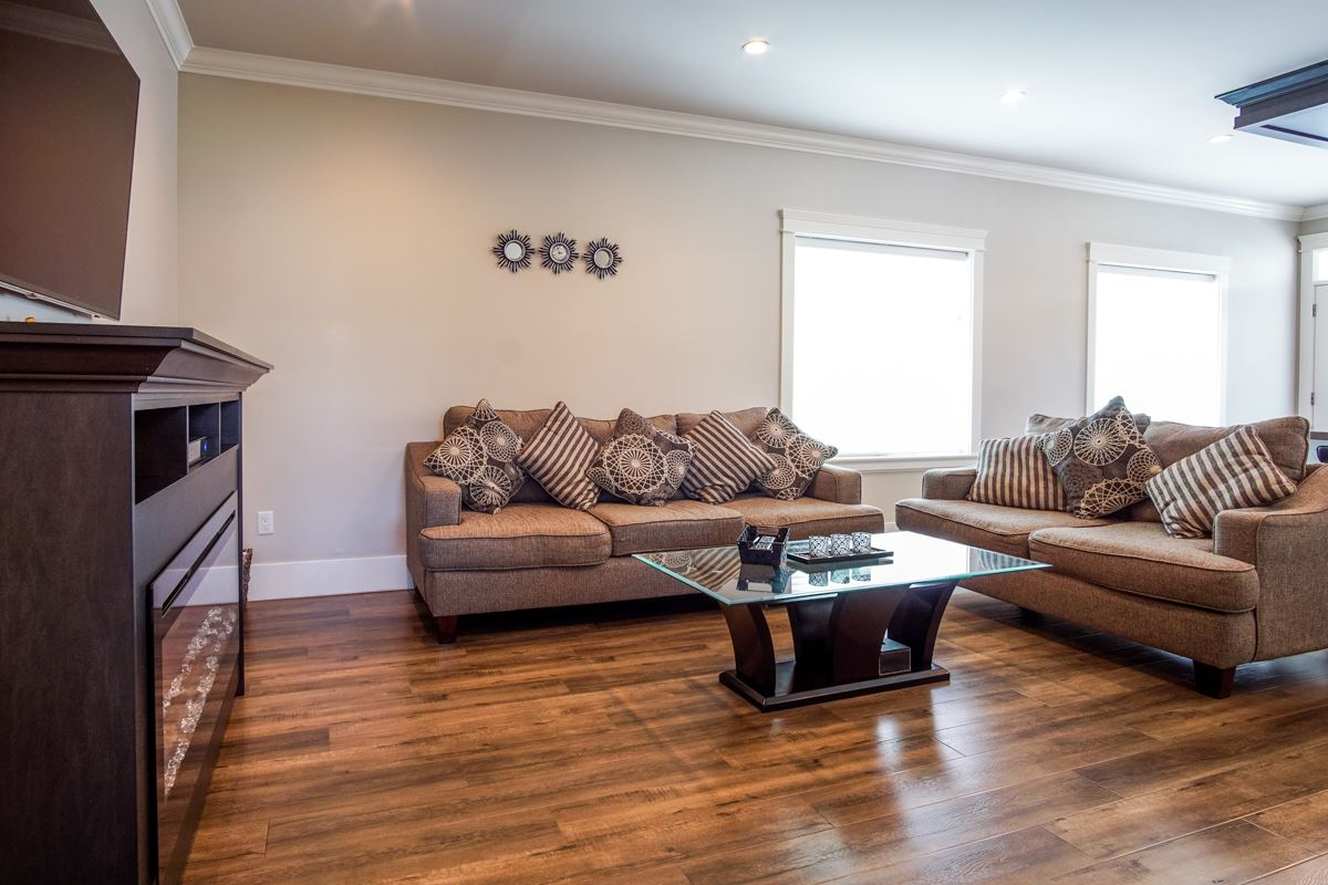 Detached at 8835 WOOLER TERRACE, Mission, British Columbia. Image 13