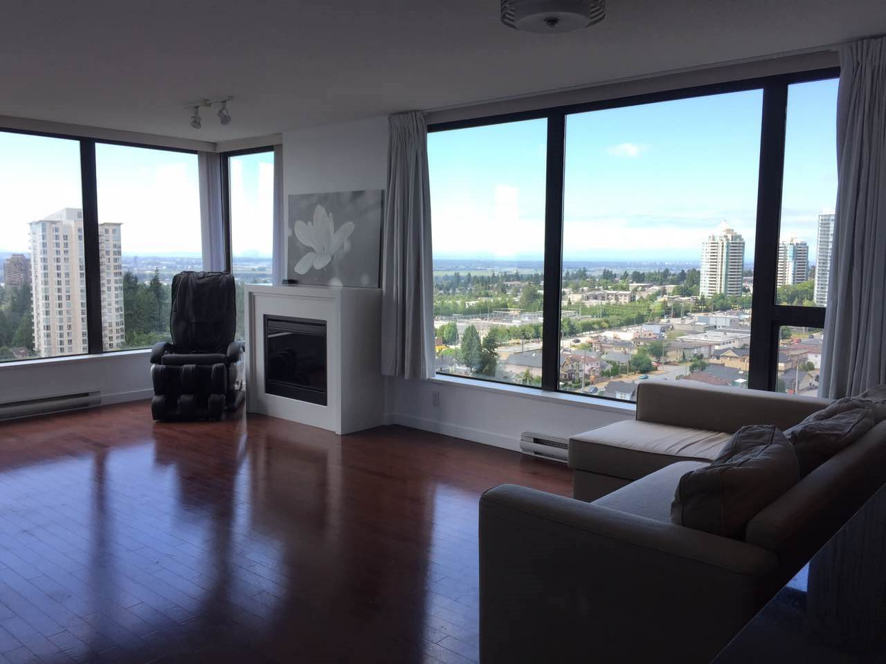 Condo Apartment at 1802 7108 COLLIER STREET, Unit 1802, Burnaby South, British Columbia. Image 2