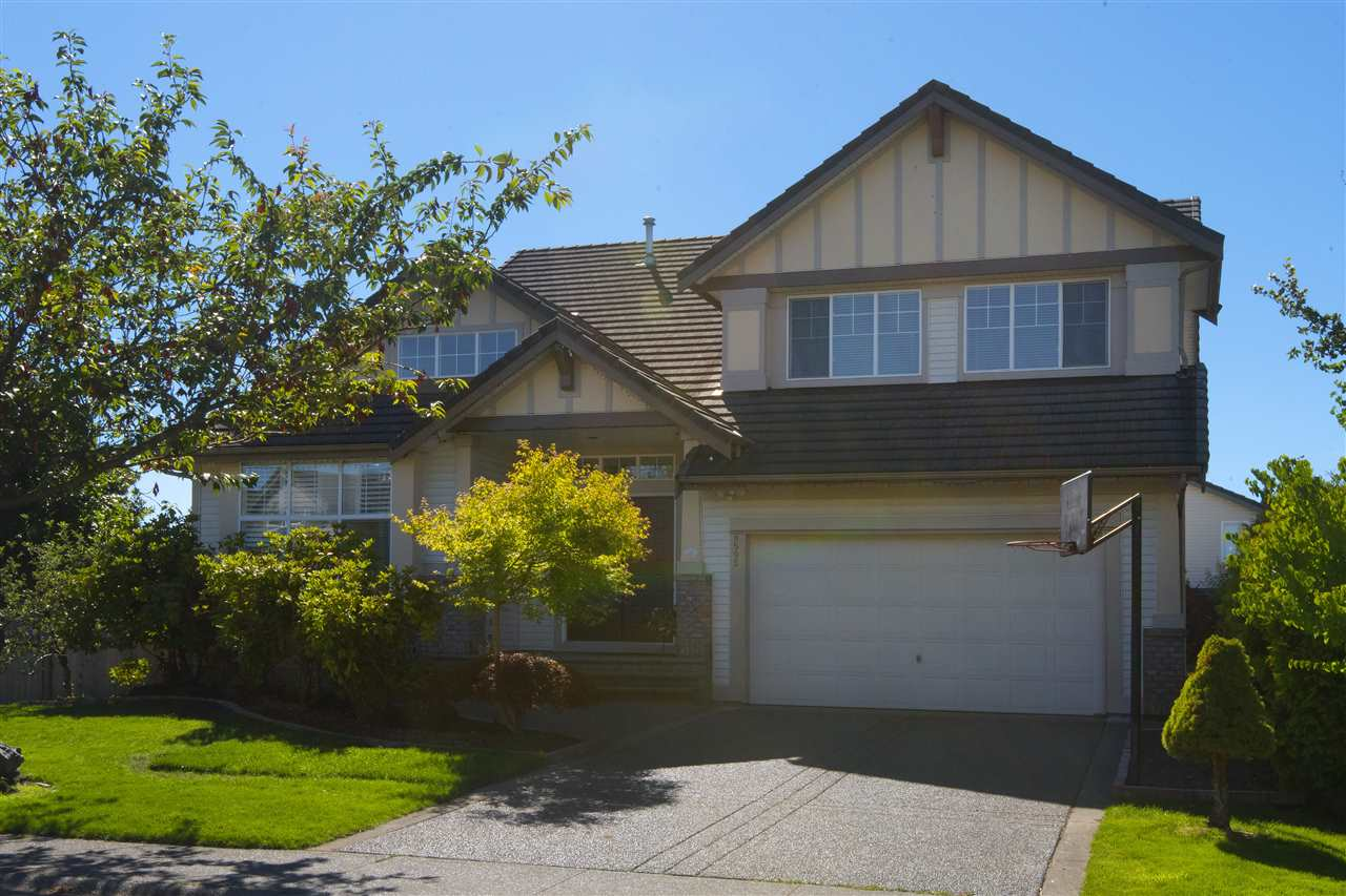 Detached at 8595 211A STREET, Langley, British Columbia. Image 1
