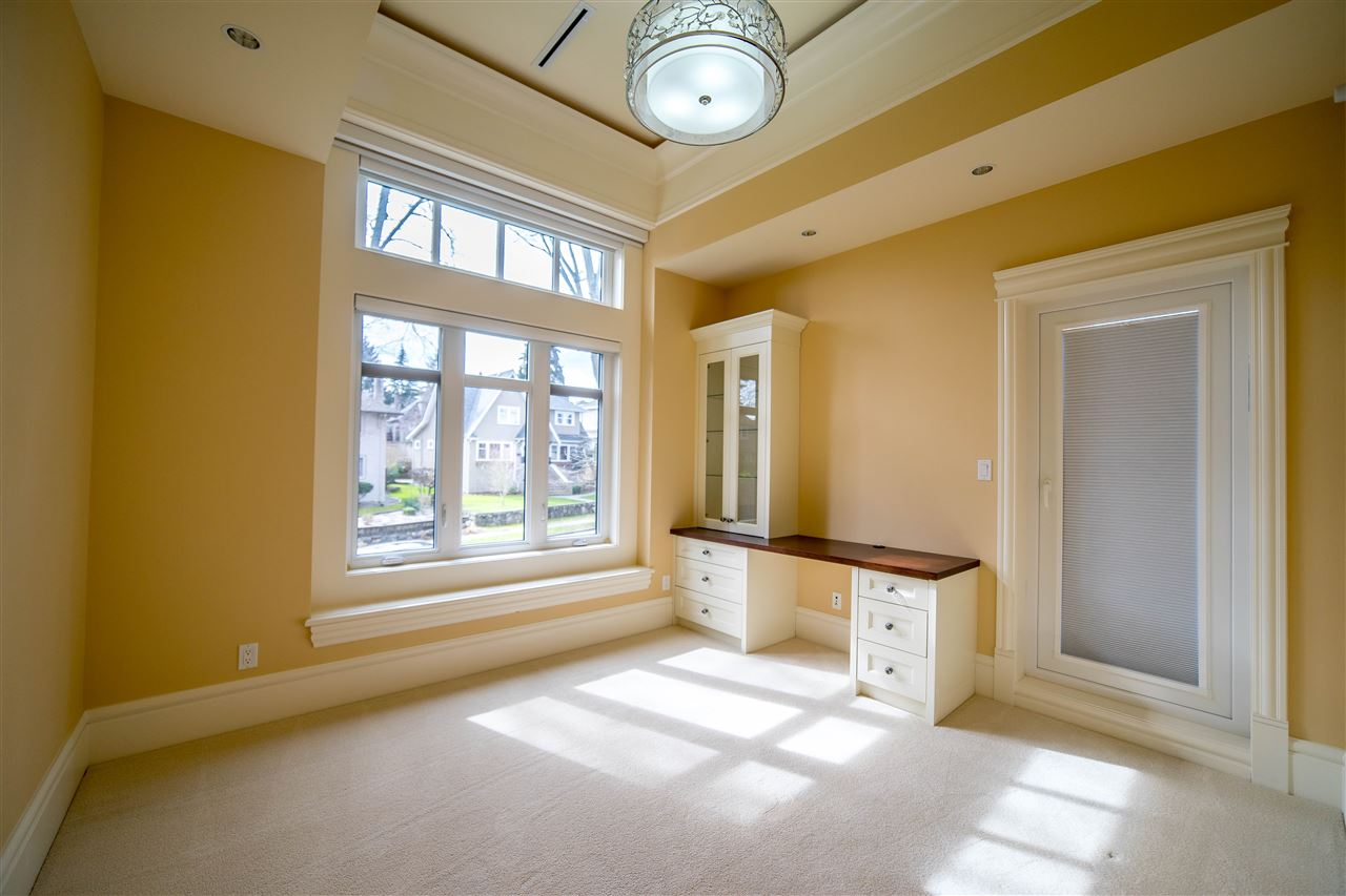 Detached at 4131 CROWN CRESCENT, Vancouver West, British Columbia. Image 12