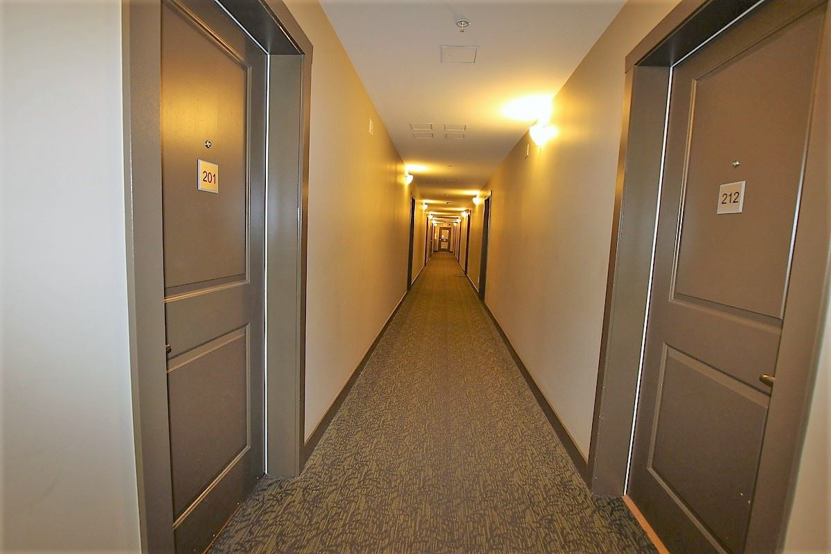Condo Apartment at 209 2239 KINGSWAY, Unit 209, Vancouver East, British Columbia. Image 5