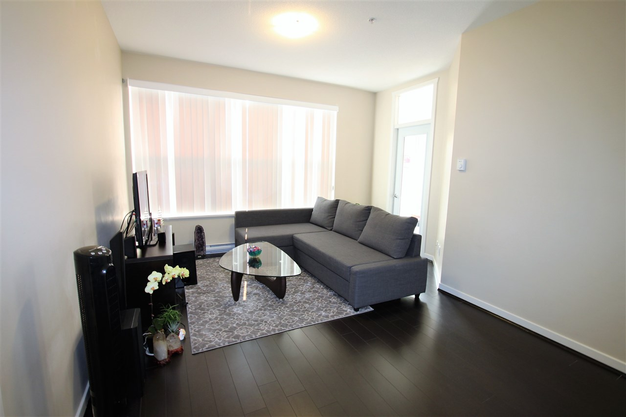 Condo Apartment at 209 2239 KINGSWAY, Unit 209, Vancouver East, British Columbia. Image 6