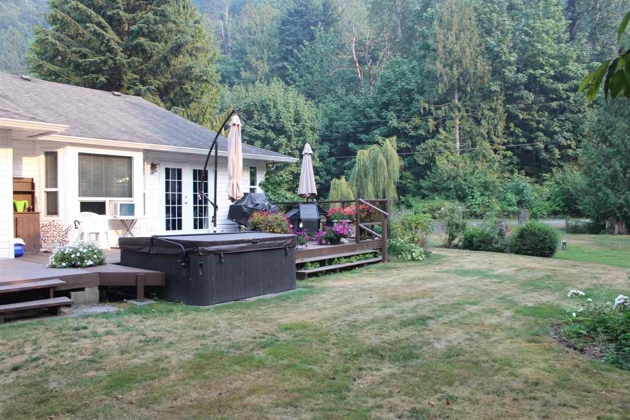 Detached at 45941 SLEEPY HOLLOW ROAD, Cultus Lake, British Columbia. Image 18