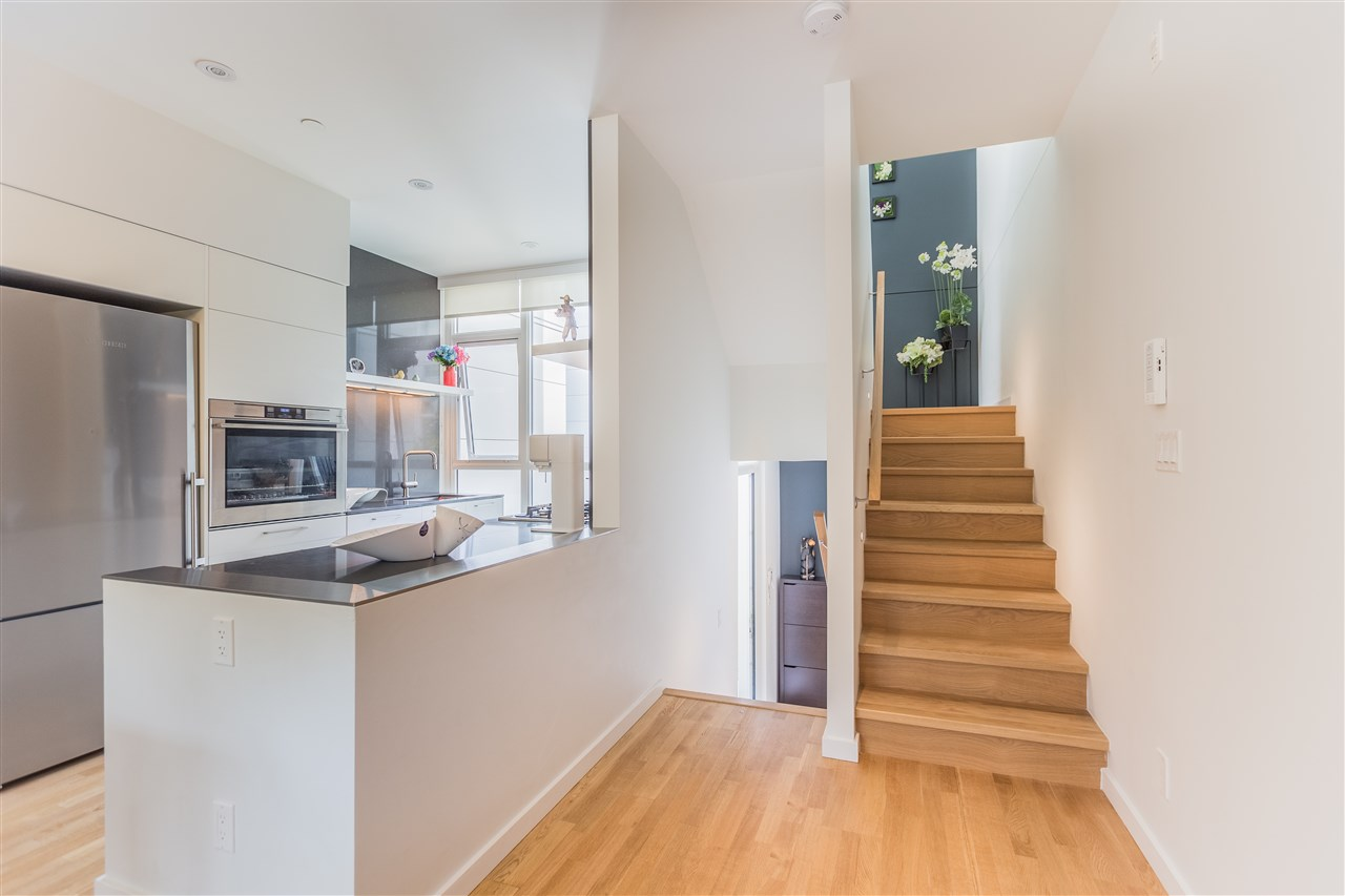 Townhouse at 770 W 6TH AVENUE, Vancouver West, British Columbia. Image 4
