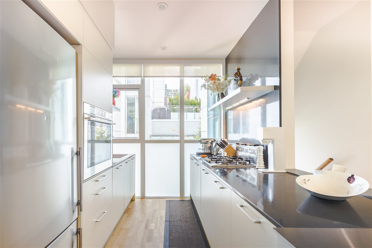 Townhouse at 770 W 6TH AVENUE, Vancouver West, British Columbia. Image 5