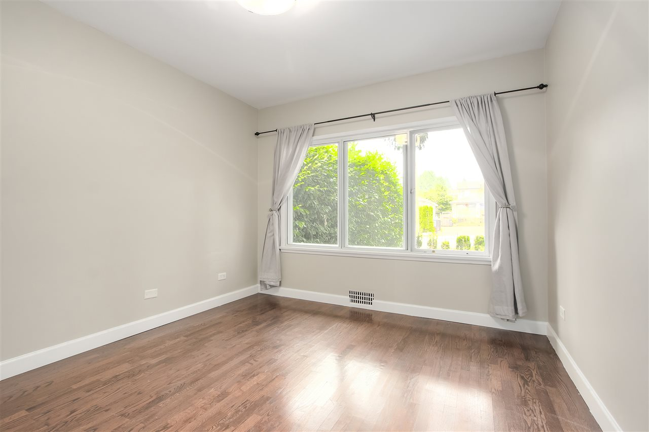 Detached at 515 W QUEENS ROAD, North Vancouver, British Columbia. Image 14