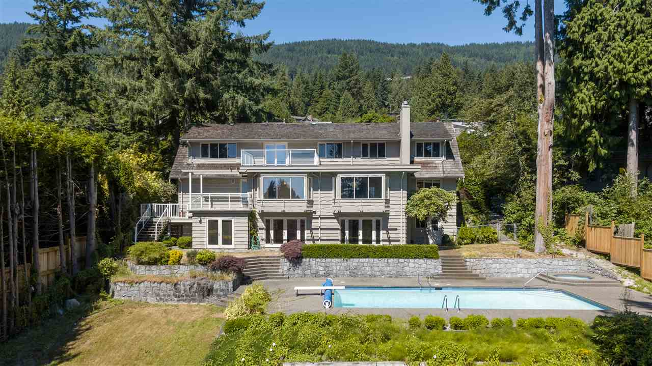 Detached at 3050 SPENCER DRIVE, West Vancouver, British Columbia. Image 1