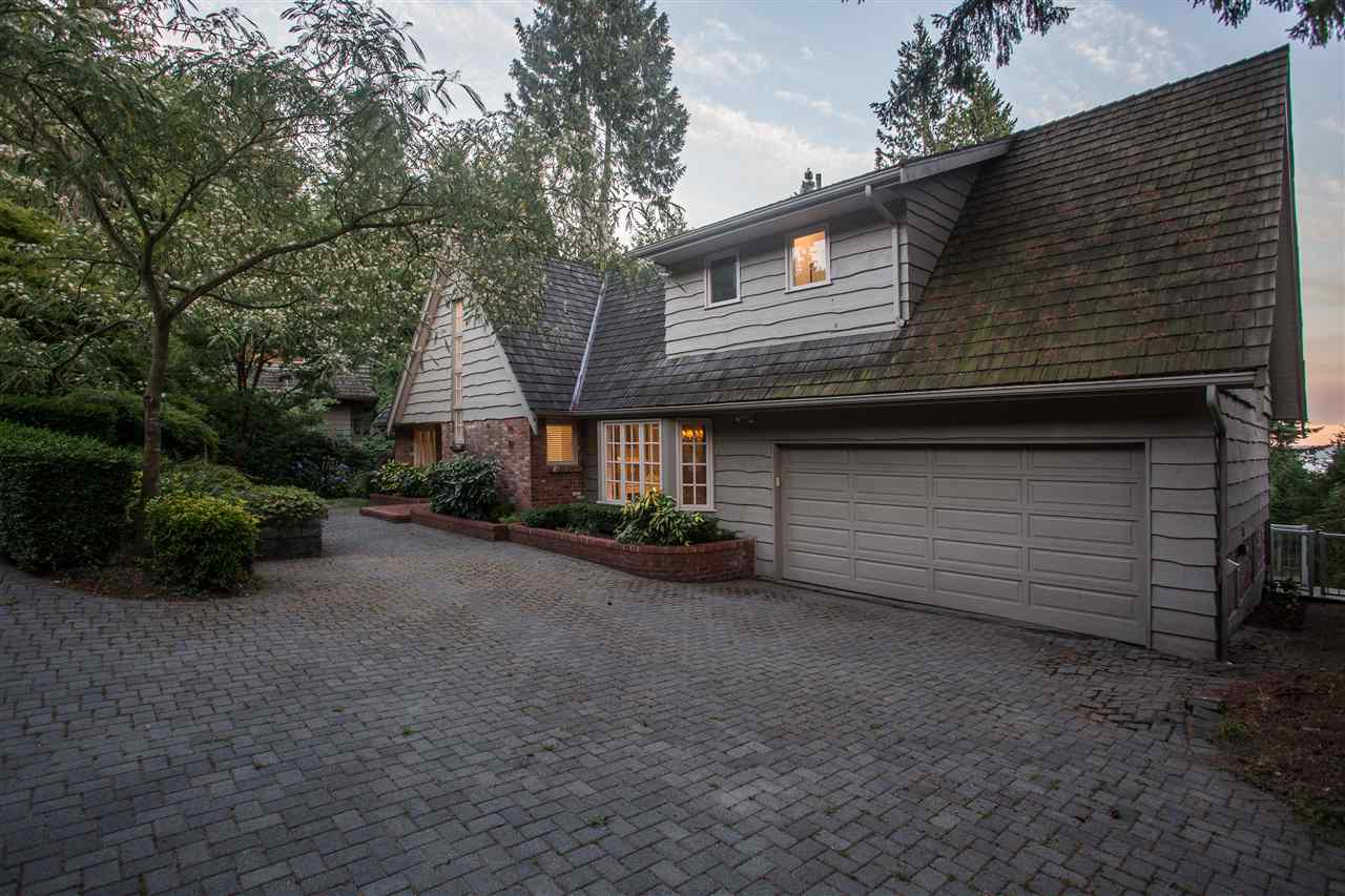 Detached at 3050 SPENCER DRIVE, West Vancouver, British Columbia. Image 3
