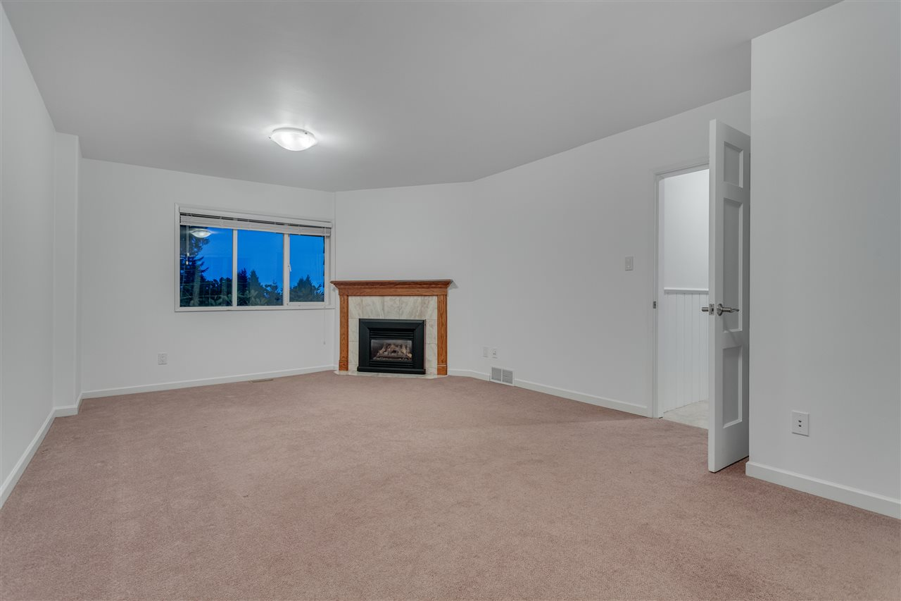 Detached at 3050 SPENCER DRIVE, West Vancouver, British Columbia. Image 9