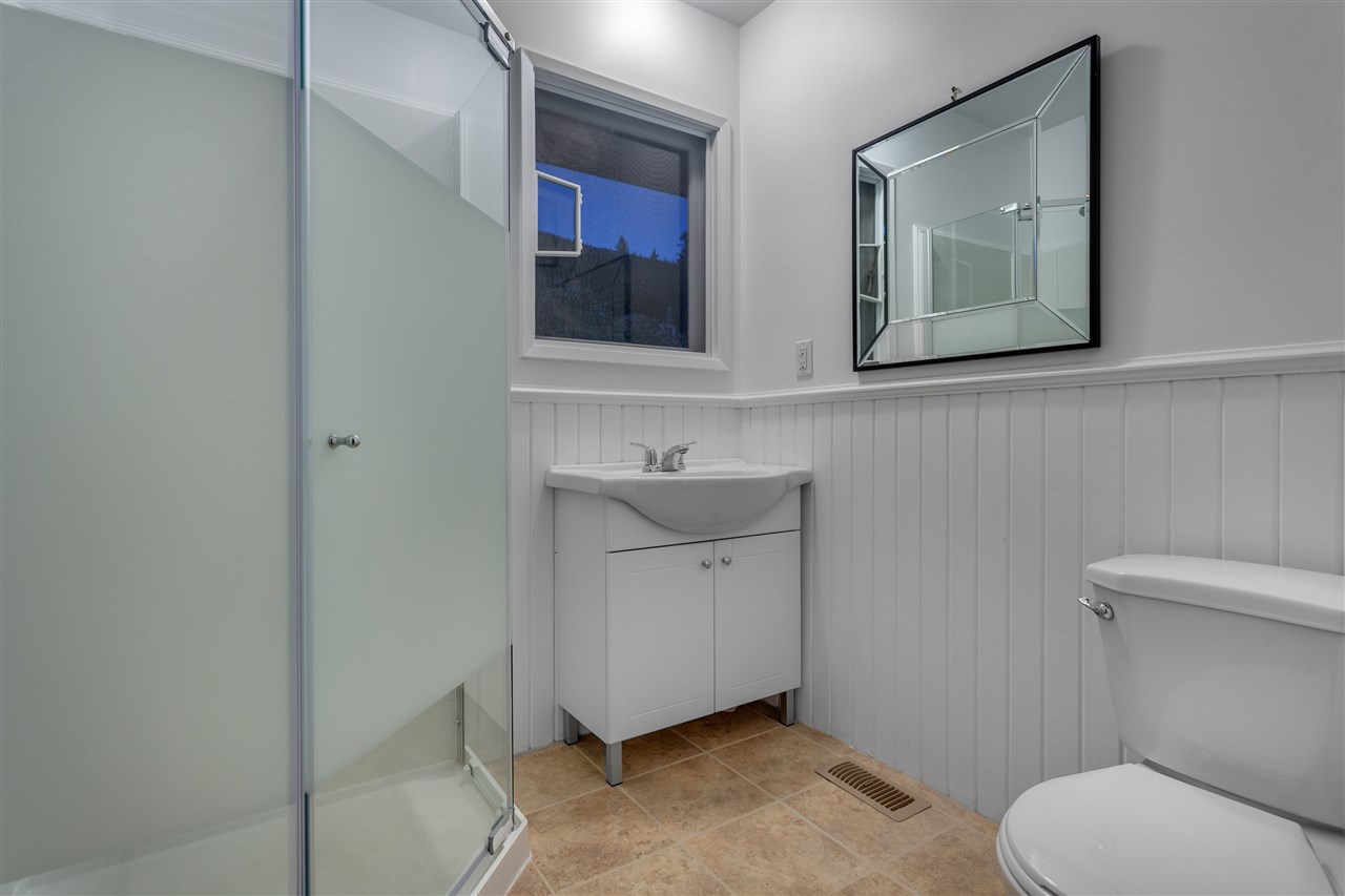 Detached at 3050 SPENCER DRIVE, West Vancouver, British Columbia. Image 11