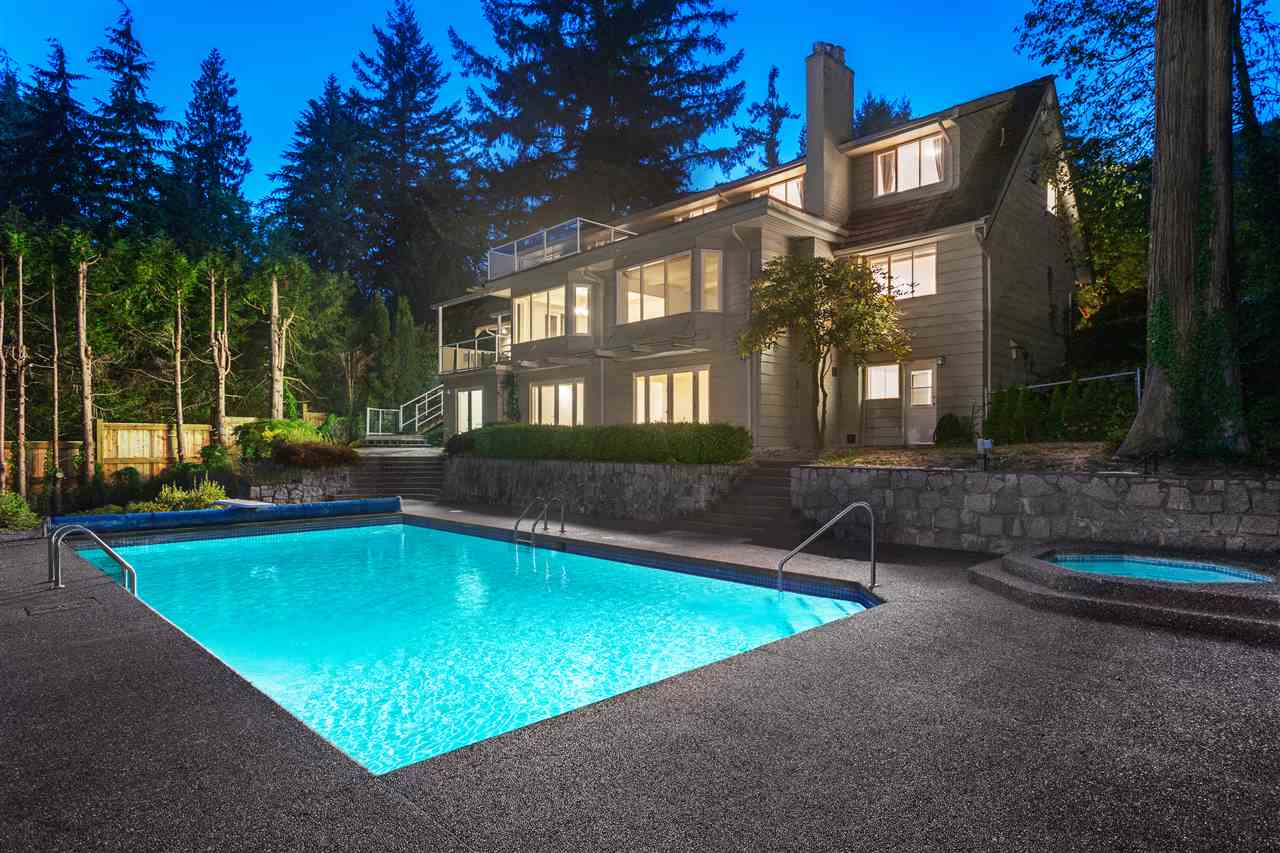 Detached at 3050 SPENCER DRIVE, West Vancouver, British Columbia. Image 14