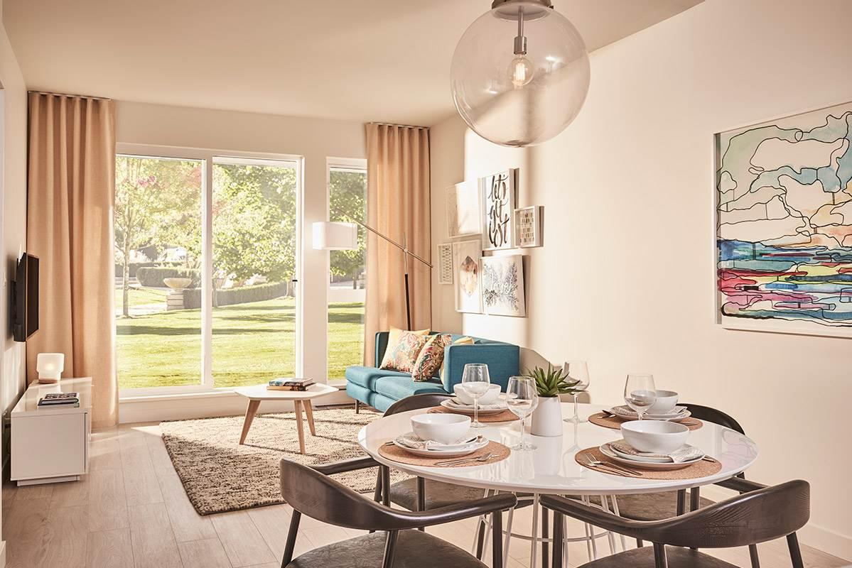 Condo Apartment at 411 13963 105A AVENUE, Unit 411, North Surrey, British Columbia. Image 3