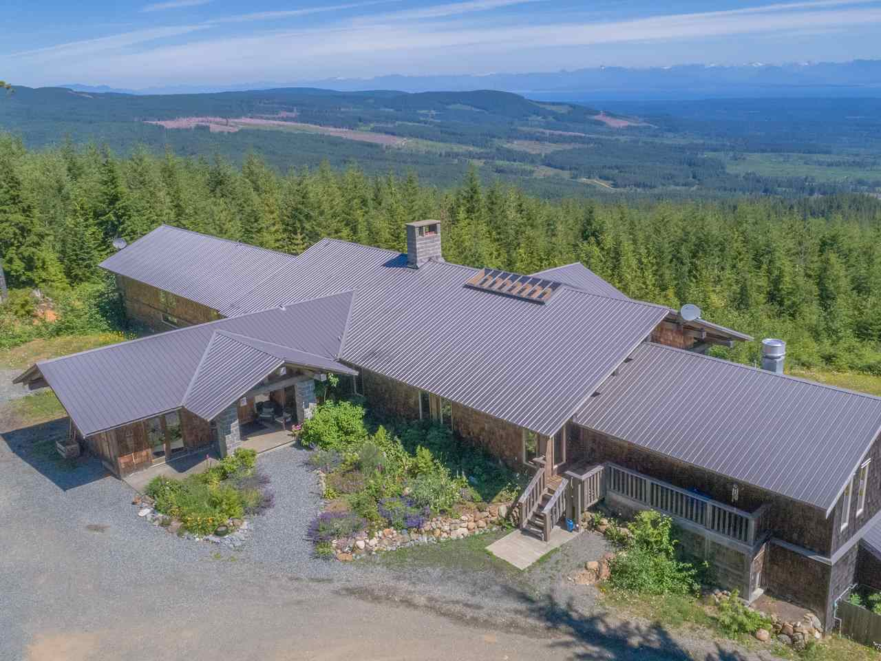 Detached at 8100 FORBIDDEN PLATEAU ROAD, Out of Town, British Columbia. Image 19