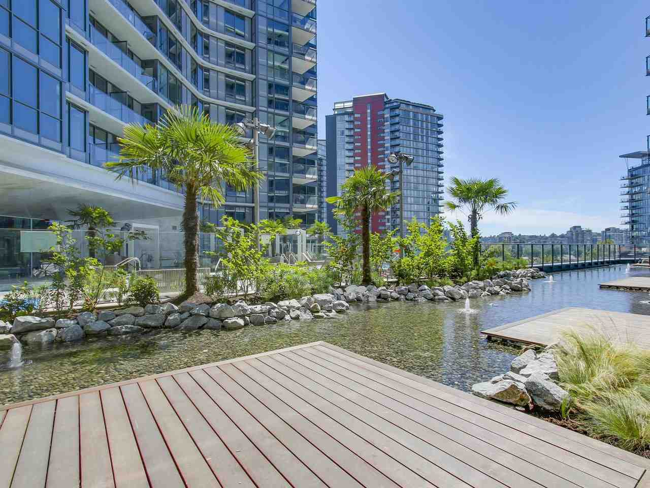 Condo Apartment at 303 68 SMITHE STREET, Unit 303, Vancouver West, British Columbia. Image 2