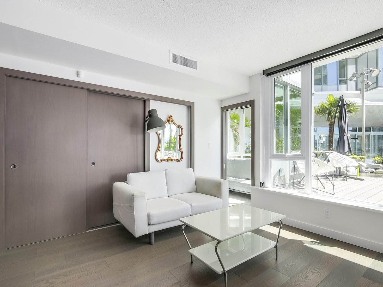 Condo Apartment at 303 68 SMITHE STREET, Unit 303, Vancouver West, British Columbia. Image 4