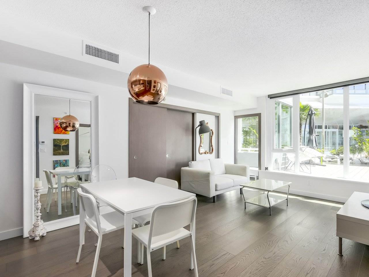 Condo Apartment at 303 68 SMITHE STREET, Unit 303, Vancouver West, British Columbia. Image 5