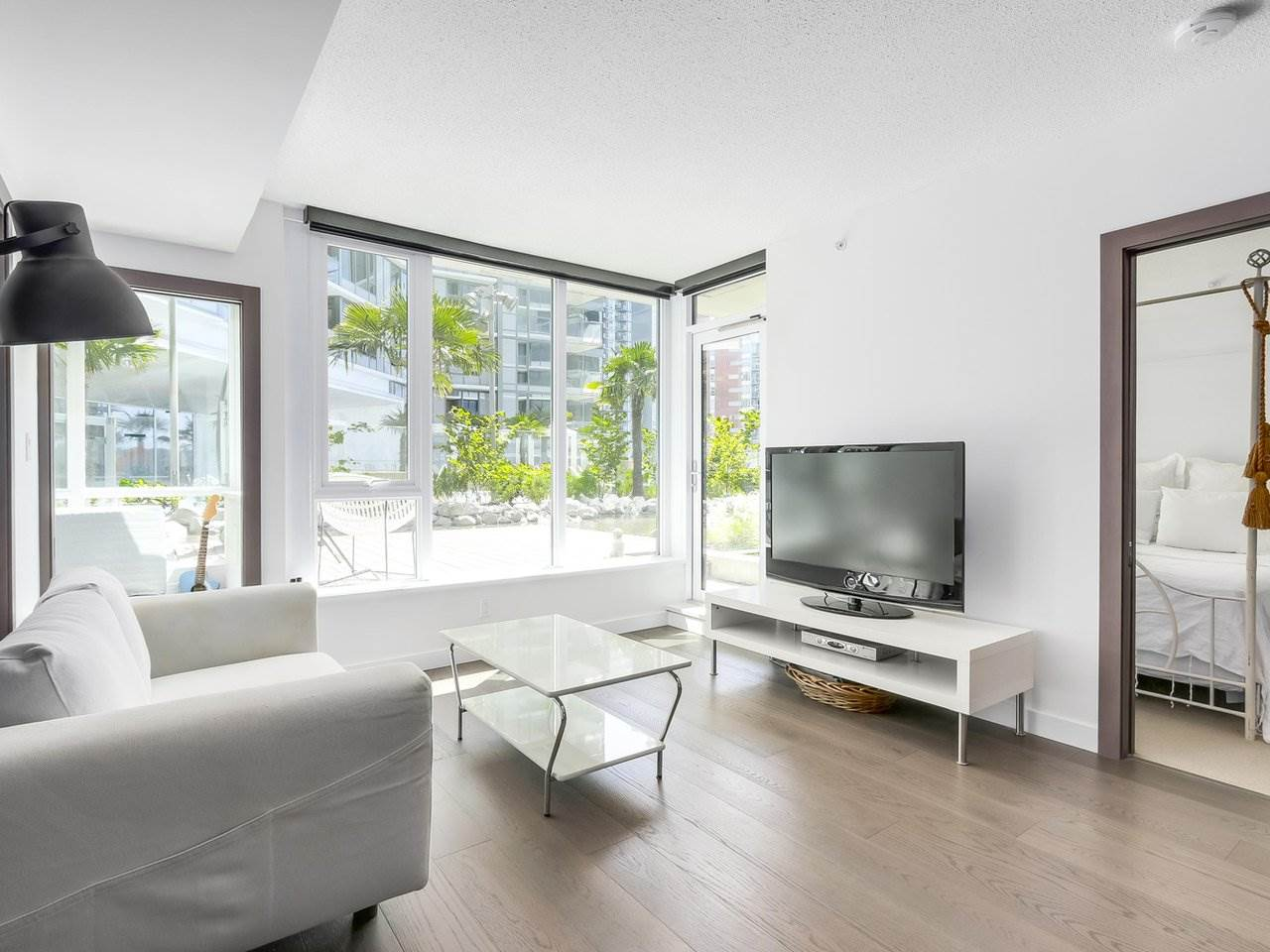 Condo Apartment at 303 68 SMITHE STREET, Unit 303, Vancouver West, British Columbia. Image 7