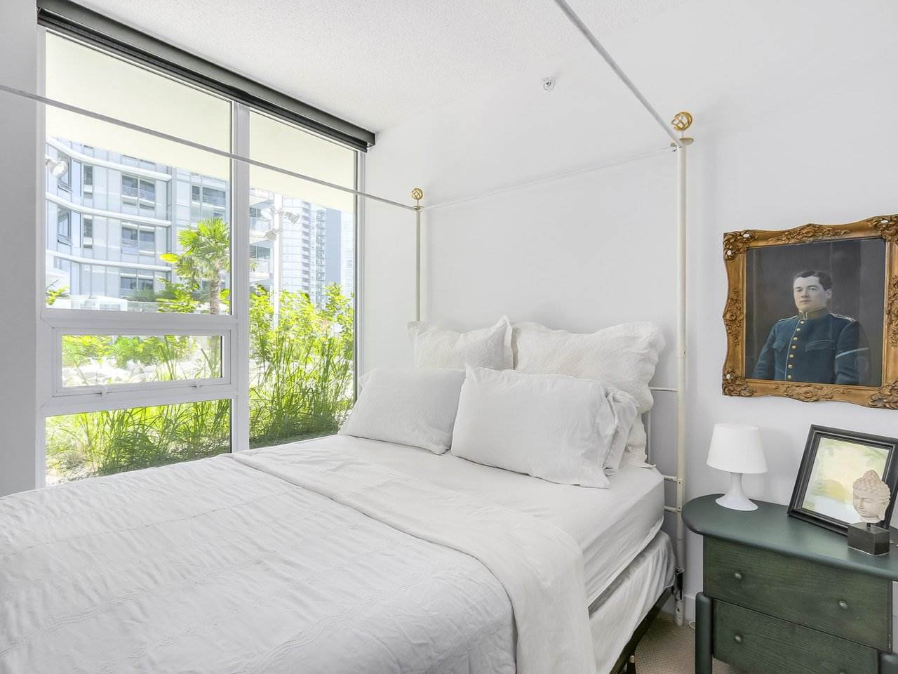 Condo Apartment at 303 68 SMITHE STREET, Unit 303, Vancouver West, British Columbia. Image 12