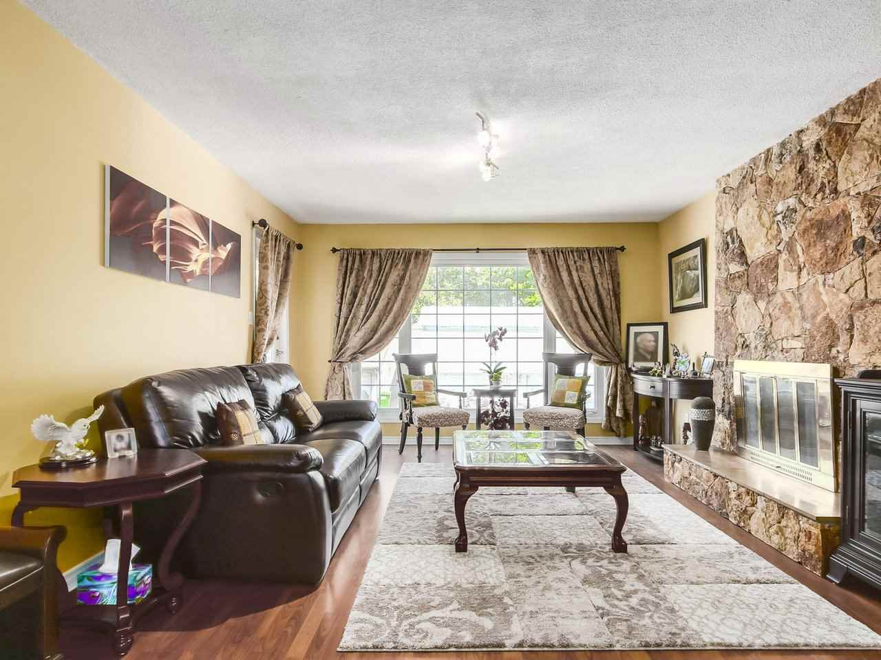 Detached at 9356 KINGSLEY CRESCENT, Richmond, British Columbia. Image 3