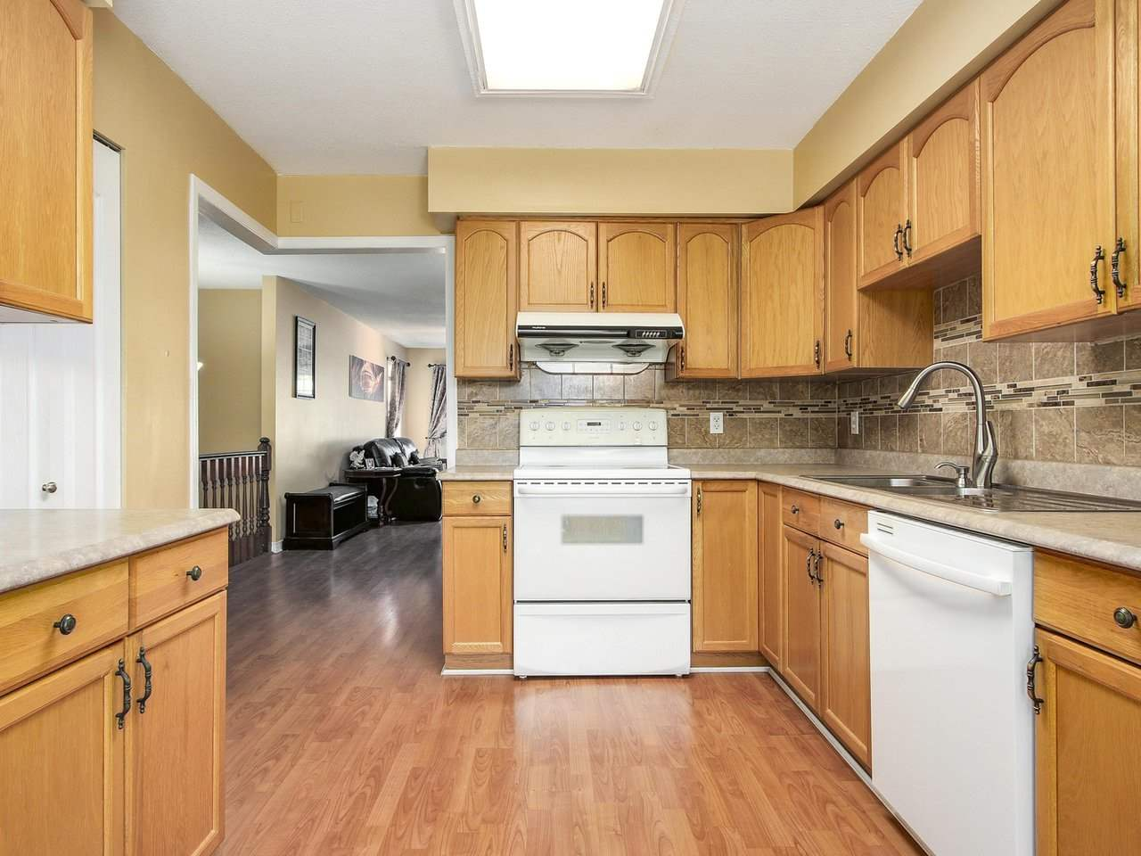 Detached at 9356 KINGSLEY CRESCENT, Richmond, British Columbia. Image 8