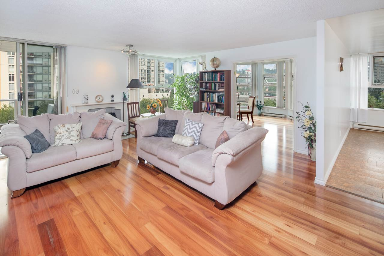 Condo Apartment at 706 1250 QUAYSIDE DRIVE, Unit 706, New Westminster, British Columbia. Image 2