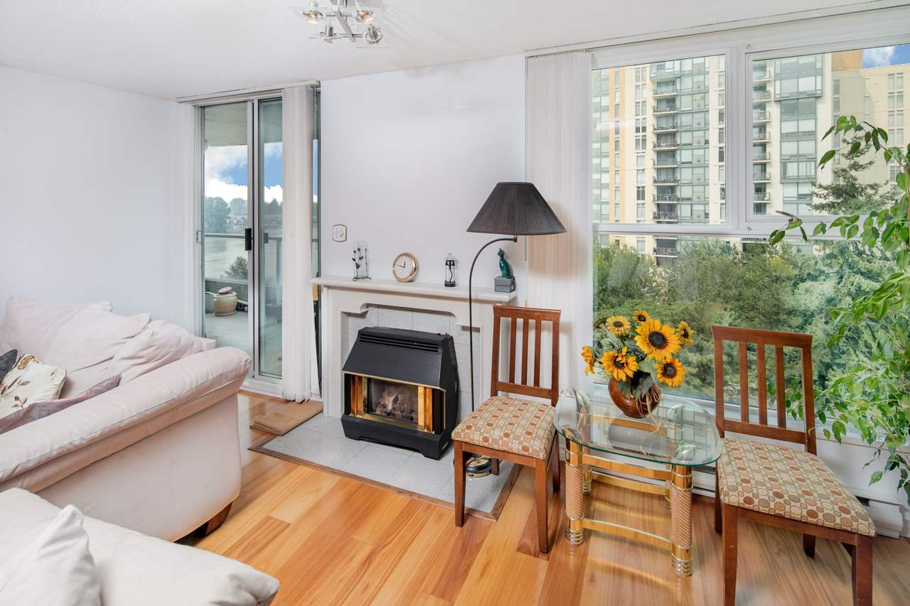 Condo Apartment at 706 1250 QUAYSIDE DRIVE, Unit 706, New Westminster, British Columbia. Image 4