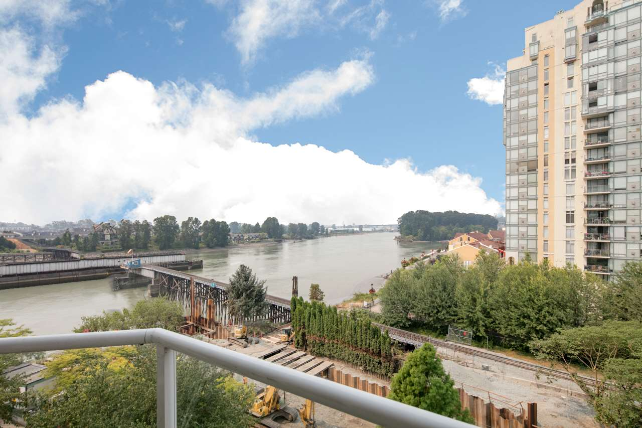 Condo Apartment at 706 1250 QUAYSIDE DRIVE, Unit 706, New Westminster, British Columbia. Image 5