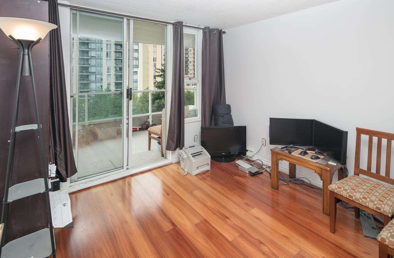 Condo Apartment at 706 1250 QUAYSIDE DRIVE, Unit 706, New Westminster, British Columbia. Image 10