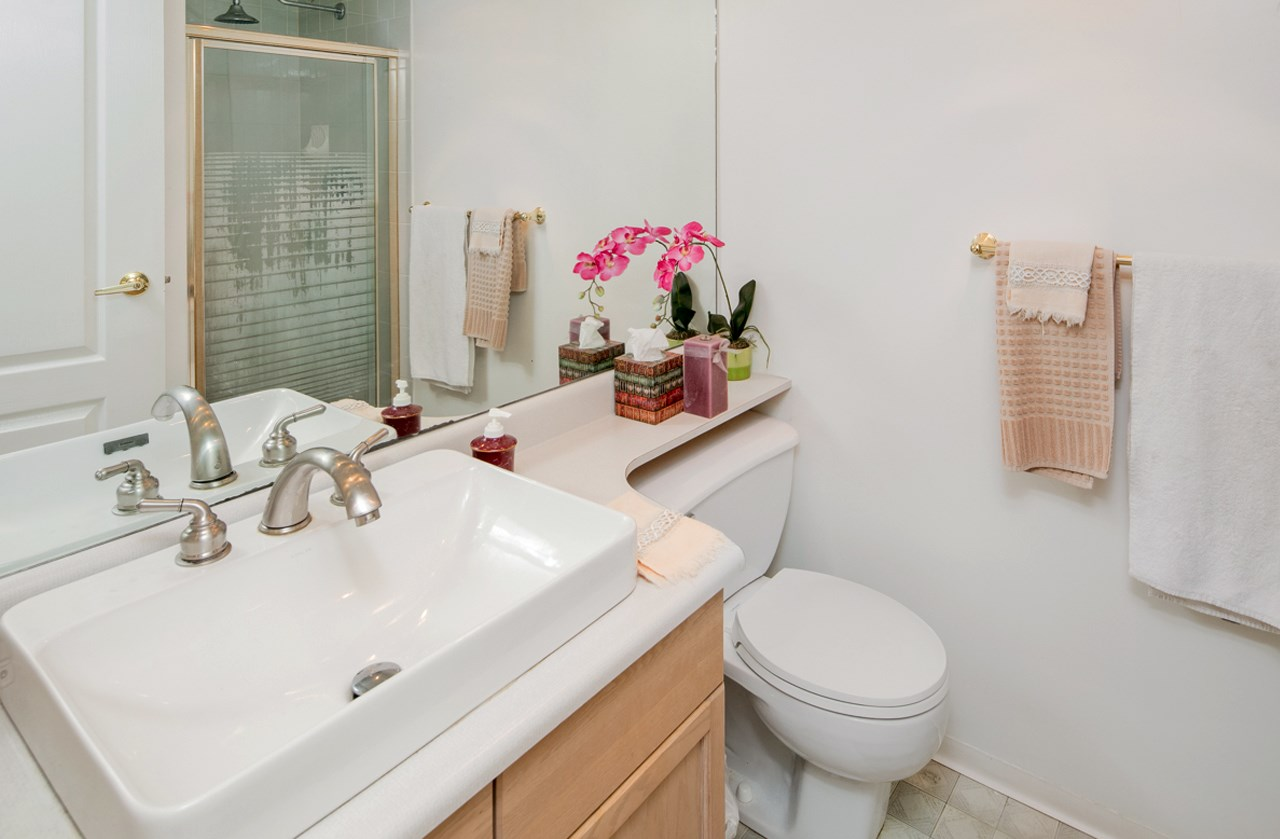 Condo Apartment at 706 1250 QUAYSIDE DRIVE, Unit 706, New Westminster, British Columbia. Image 11
