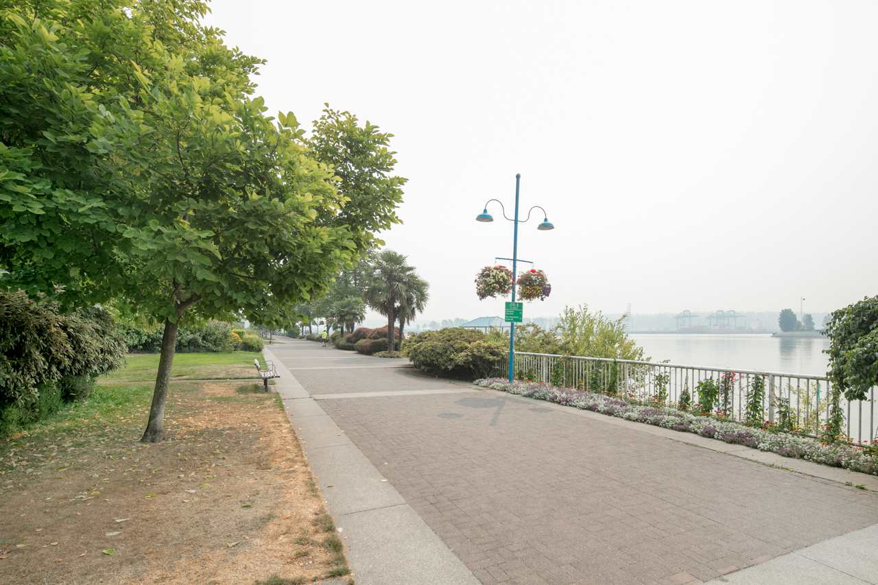 Condo Apartment at 706 1250 QUAYSIDE DRIVE, Unit 706, New Westminster, British Columbia. Image 17