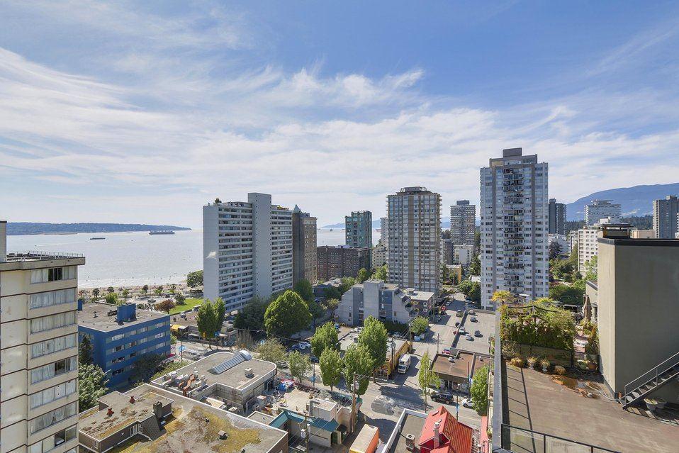 Condo Apartment at 1501 1740 COMOX STREET, Unit 1501, Vancouver West, British Columbia. Image 3