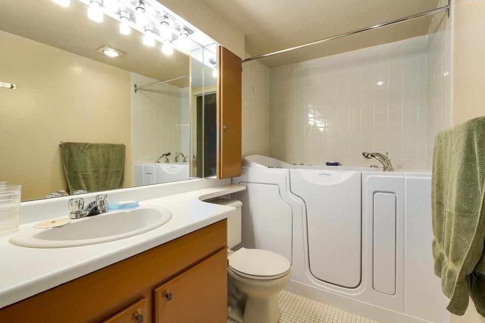 Condo Apartment at 1501 1740 COMOX STREET, Unit 1501, Vancouver West, British Columbia. Image 13