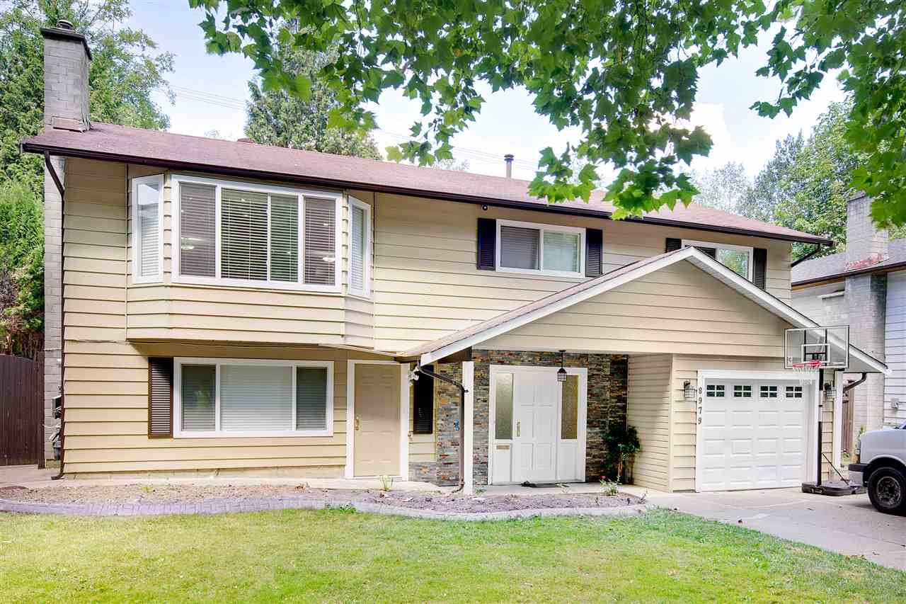 Detached at 8979 QUEEN MARY BOULEVARD, Surrey, British Columbia. Image 1