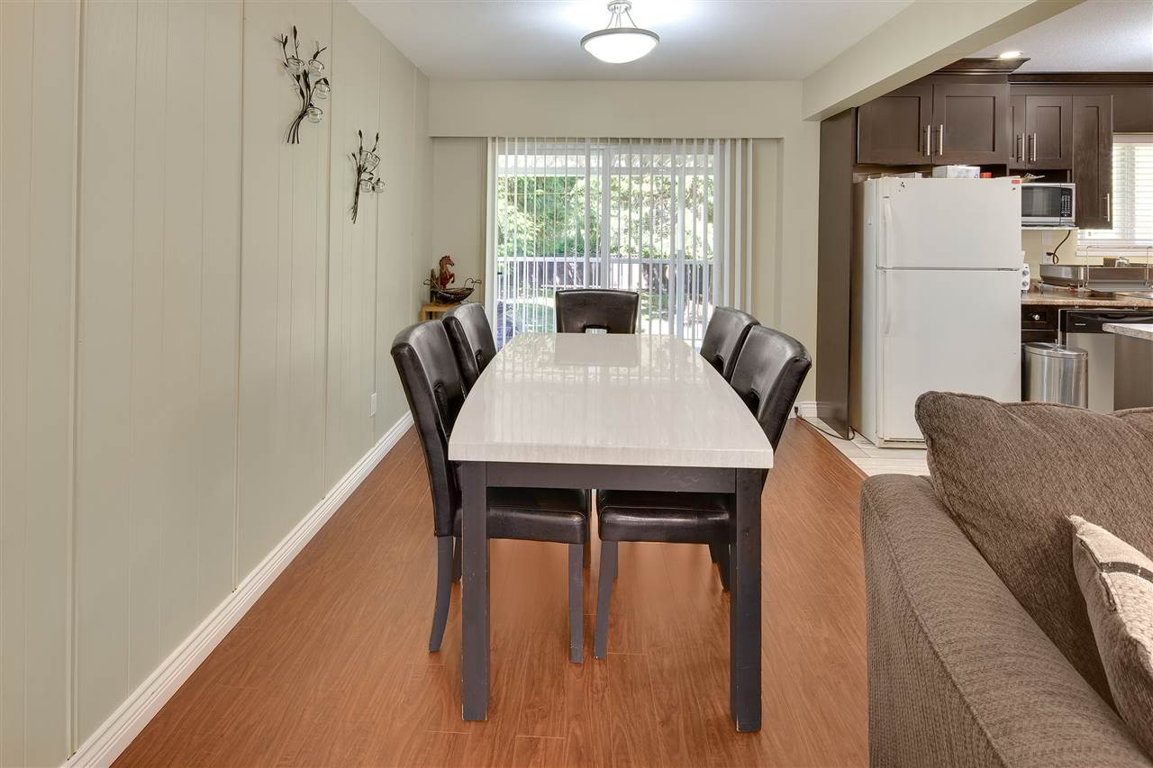 Detached at 8979 QUEEN MARY BOULEVARD, Surrey, British Columbia. Image 7