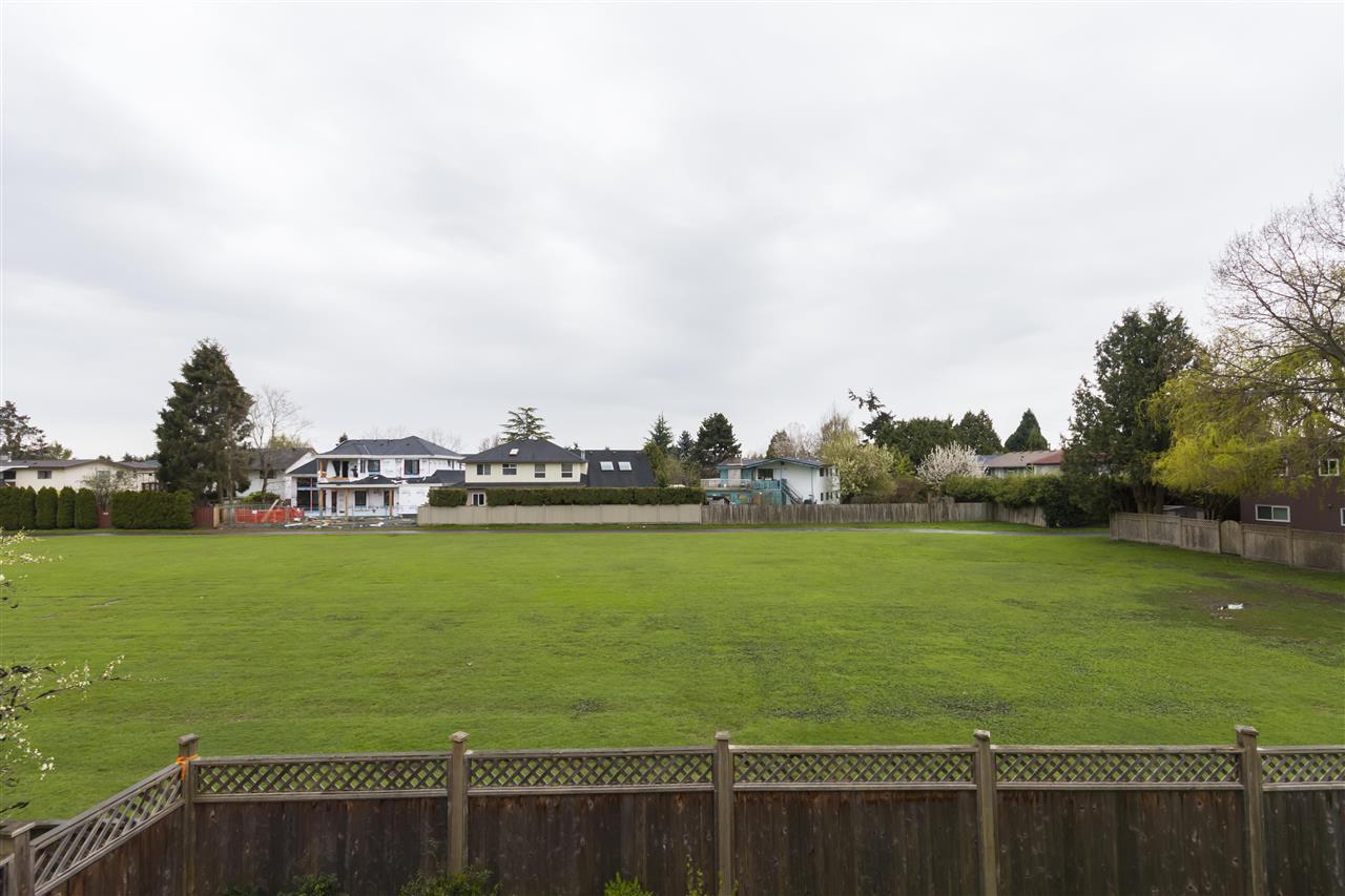 Detached at 7440 DECOURCY CRESCENT, Richmond, British Columbia. Image 16