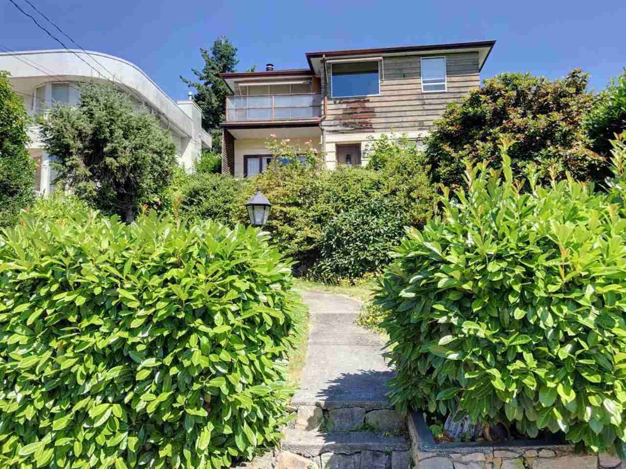 Detached at 2137 NELSON AVENUE, West Vancouver, British Columbia. Image 7