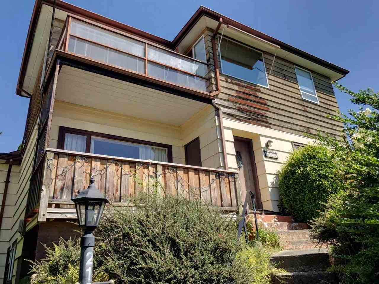 Detached at 2137 NELSON AVENUE, West Vancouver, British Columbia. Image 8