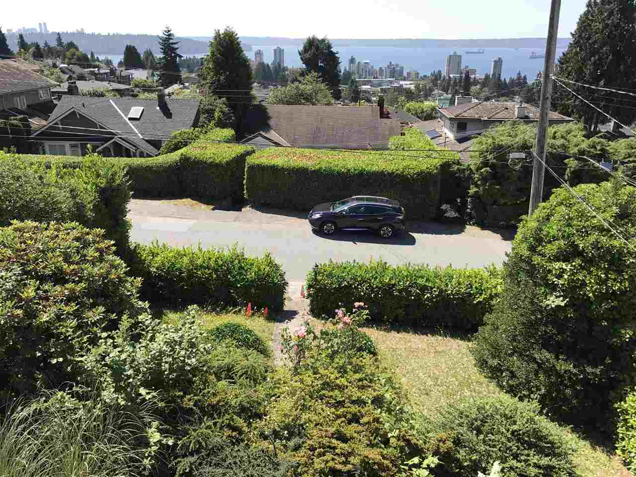 Detached at 2137 NELSON AVENUE, West Vancouver, British Columbia. Image 9