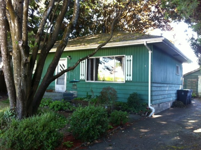Detached at 10884 141A STREET, North Surrey, British Columbia. Image 2