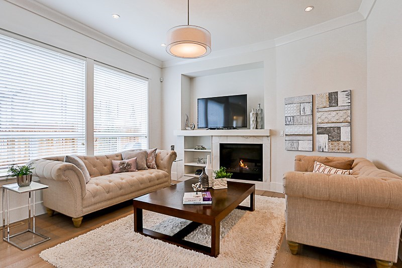 Detached at 18055 66A AVENUE, Cloverdale, British Columbia. Image 4