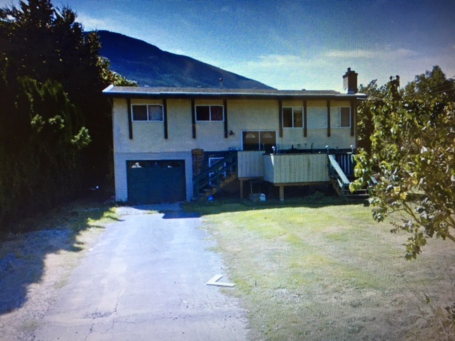 Detached at 42450 WALNUT AVENUE, Yarrow, British Columbia. Image 1