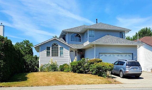 Detached at 3553 TRETHEWEY STREET, Abbotsford, British Columbia. Image 1
